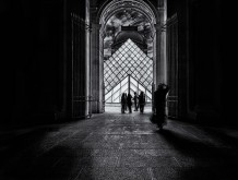 The Louvre Tourists