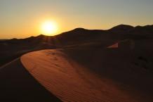 غروب الشمس الصحراوي