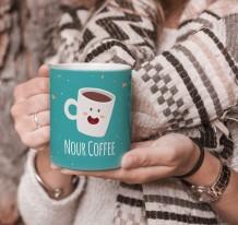 كوب تصميم قهوة مع قاعدة