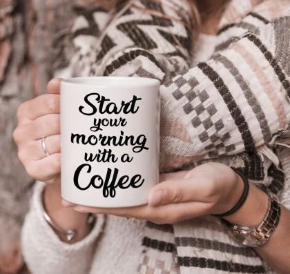 كوب تصميم قهوة الصباح مع قاعدة